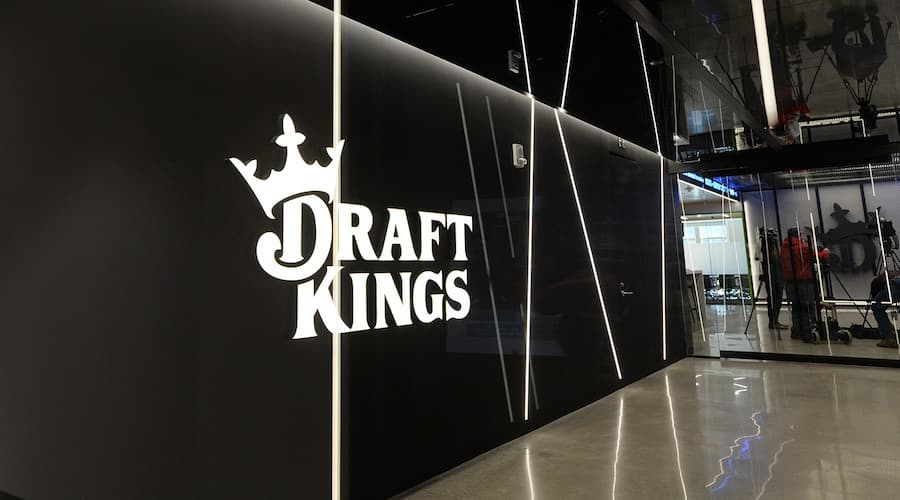 draftkings logo siege social boston
